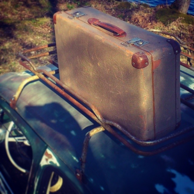Todays find, oldschool suitcase!
