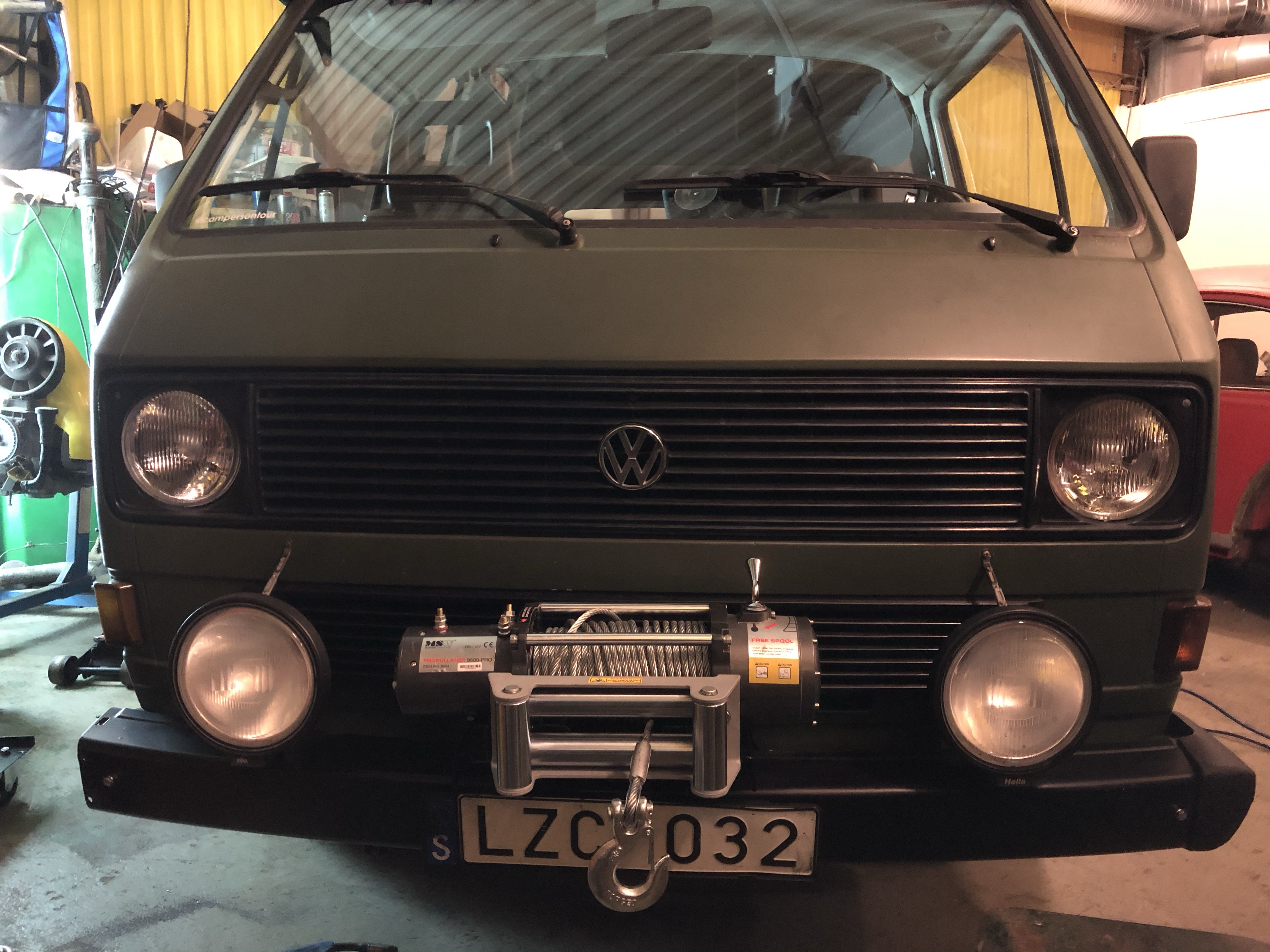 SHAPING PRIMING AND PAINTING YOUR VOLKSWAGEN CAMPER T2 BAY